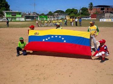 Sembrando Beisbol la batea de jonrón en toda Venezuela